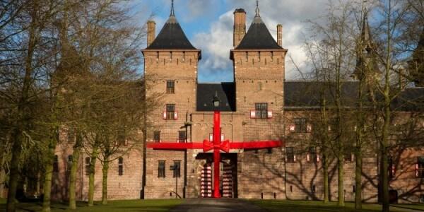 Kasteel de Haar Utrecht - opening met grote strik