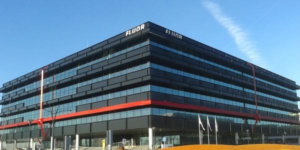 kantoor opening Fluor Hoofddorp met grote strik